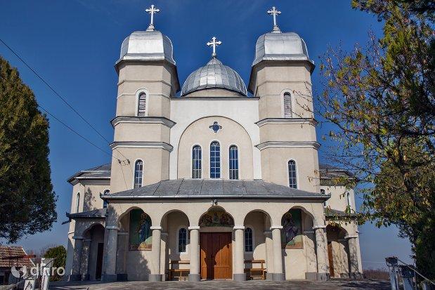 biserica-sf-ioan-botezatul-din-scarisoara-noua-judetul-satu-mare.jpg
