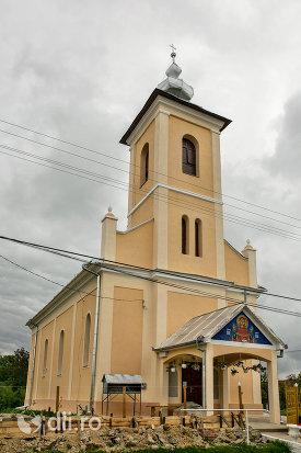 biserica-sf-mihai-si-gavril-din-marius-judetul-satu-mare.jpg
