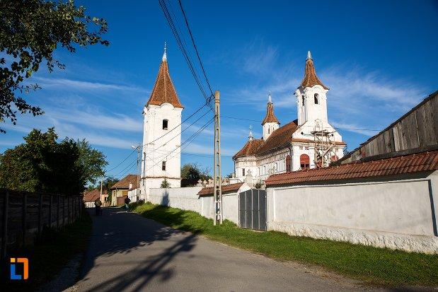 biserica-sf-nicolae-cernatu-1781-1783-din-sacele-judetul-brasov.jpg