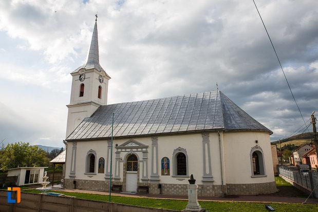 biserica-sf-nicolae-din-hateg-judetul-hunedoara.jpg