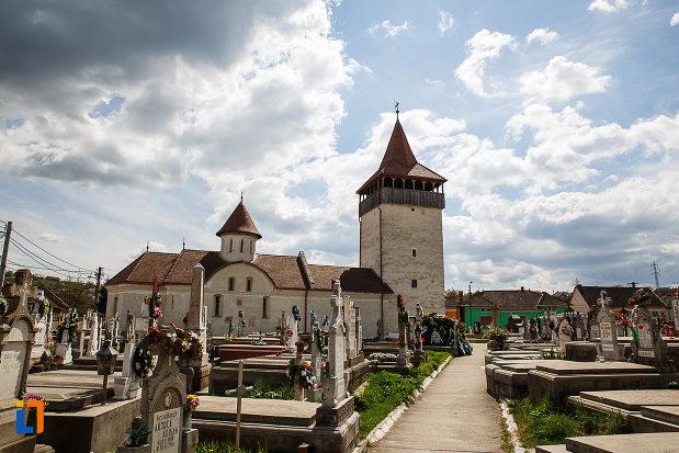 biserica-sf-nicolae-din-hunedoara-judetul-hunedoara-situata-in-cimitir.jpg