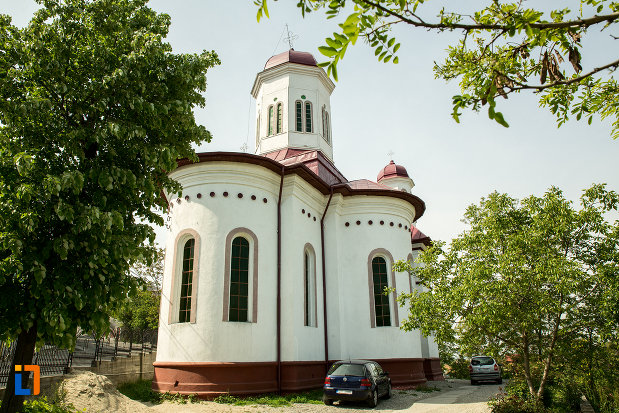 biserica-sf-nicolae-din-slatina-judetul-olt-vazuta-din-spate.jpg