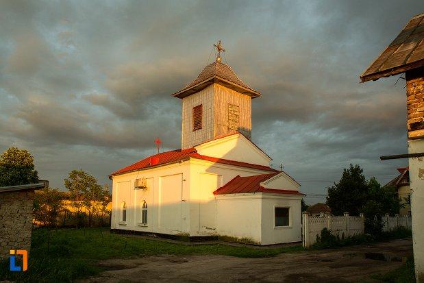 biserica-sf-spiridon-din-corabia-judetul-olt.jpg