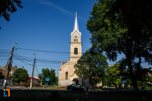 biserica-sf-vendelin-din-jimbolia-judetul-timis-imagine-de-la-distanta.jpg