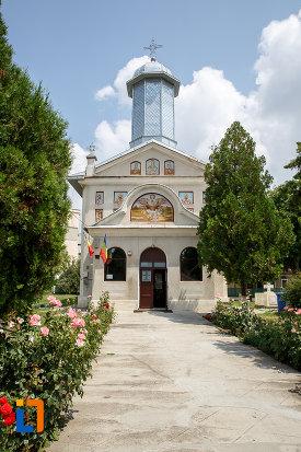 biserica-sf-vineri-si-cuvioasa-paraschiva-din-alexandria-judetul-teleorman.jpg