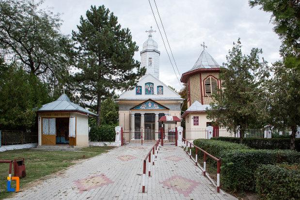 biserica-sf-voievozi-1839-din-tandarei-judetul-ialomita.jpg