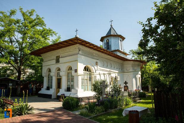 biserica-sf-voievozi-cata-din-ramnicu-sarat-judetul-buzau.jpg