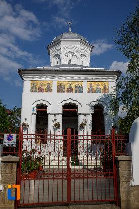 biserica-sf-voievozi-cu-hramurile-sf-arhangheli-mihail-si-gavril-sf-antonie-cel-mare-din-ploiesti-judetul-prahova.jpg