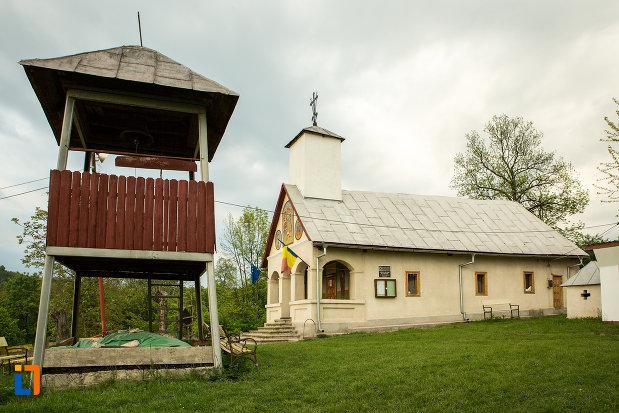 biserica-sf-voievozi-din-leurda-judetul-gorj.jpg