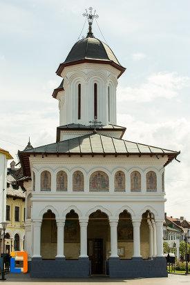 biserica-sf-voievozi-din-targu-jiu-judetul-gorj-vazuta-din-fata.jpg
