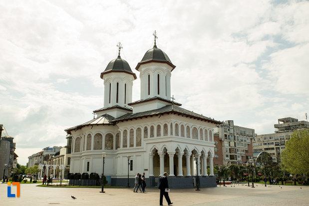 biserica-sf-voievozi-din-targu-jiu-judetul-gorj.jpg