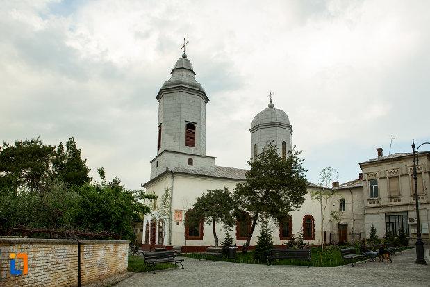 biserica-sfanta-treime-din-slatina-judetul-olt.jpg