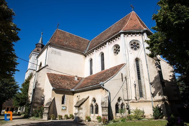 biserica-sfantul-bartolomeu-din-brasov-judetul-brasov-vazuta-din-lateral.jpg