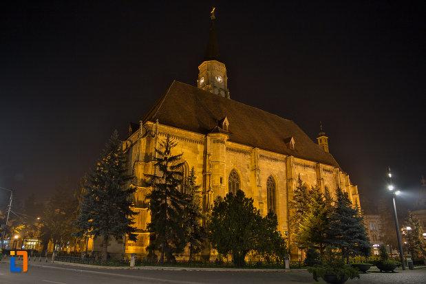 biserica-sfantul-mihail-din-cluj-napoca-judetul-cluj-vazuta-noaptea.jpg