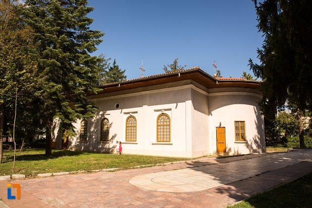biserica-sfintii-arhangheli-mihail-si-gavriil-din-braila-judetul-braila.jpg