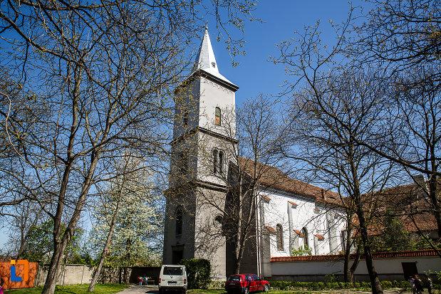 biserica-si-manastirea-franciscana-din-orastie-judetul-hunedoara.jpg