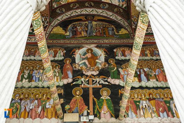 biserica-toti-sfintii-1764-din-ramnicu-valcea-judetul-valcea-picturi-murale.jpg