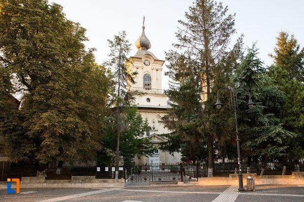 biserica-uspenia-din-botosani-judetul-botosani.jpg