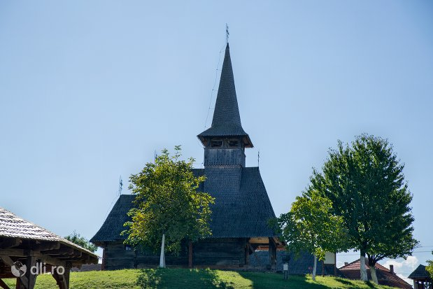 bisericuta-din-ansamblul-muzeul-satului-osenesc-din-negresti-oas-judetul-satu-mare.jpg