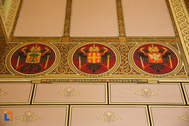 blazoane-ale-unor-familii-celebre-castelul-cantacuzino-din-busteni-judetul-prahova.jpg