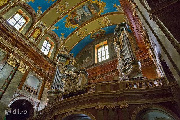 bolta-bazilica-romano-catolica-din-oradea-judetul-bihor.jpg