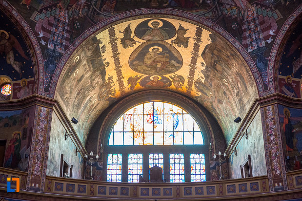 bolta-cu-scene-religioase-catedrala-mitropolitana-sf-treime-din-sibiu-judetul-sibiu.jpg