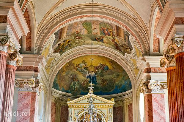 bolta-din-biserica-romano-catolica-din-baia-sprie-judetul-maramures.jpg