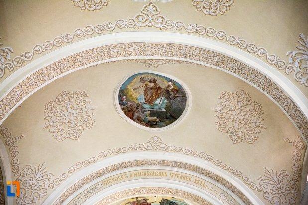 bolta-din-biserica-sf-elisabeta-a-ungariei-manastirea-minorita-din-aiud-judetul-alba.jpg
