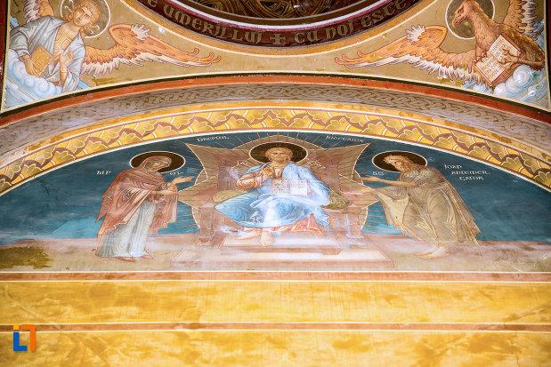 bolta-pictata-ansamblul-bisericii-sf-treime-din-craiova-judetul-dolj.jpg