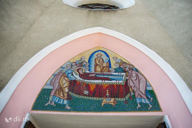 bolta-pictata-de-la-biserica-ortodoxa-adormirea-maicii-domului-din-sighetu-marmatiei-judetul-maramures.jpg
