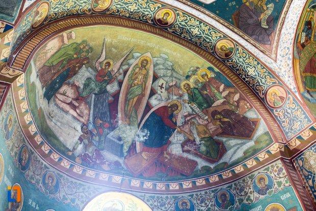 bolta-pictata-din-biserica-adormirea-maicii-domnului-mavrodolu-din-pitesti-judetul-arges.jpg