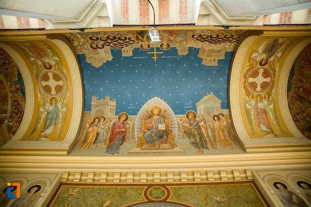 bolta-pictata-din-catedrala-mitropolitana-sf-dimitrie-din-craiova-judetul-dolj.jpg