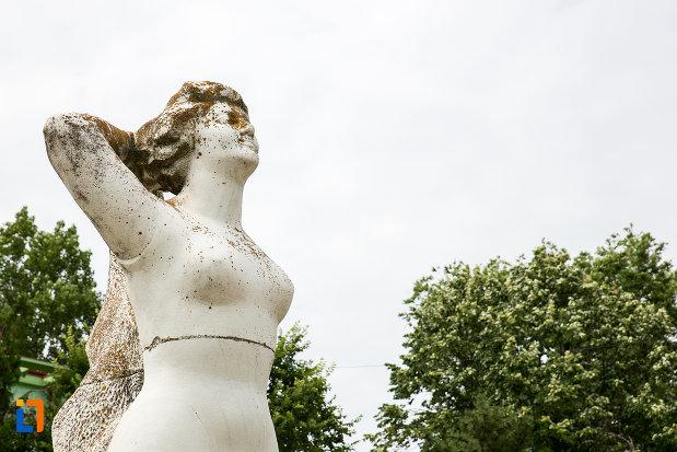 bustul-de-la-statuia-cultura-fizica-din-eforie-nord-judetul-constanta.jpg