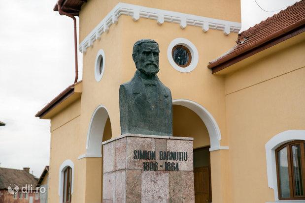 bustul-di-casa-memoriala-simion-barnitiu-din-bocsa-judetul-salaj.jpg