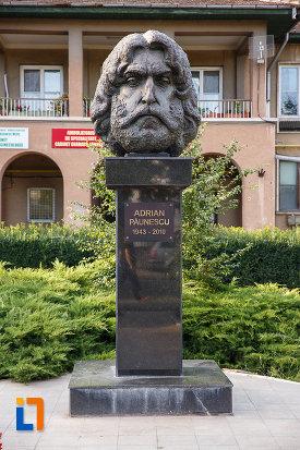 bustul-lui-adrian-paunescu-din-mizil-judetul-prahova.jpg