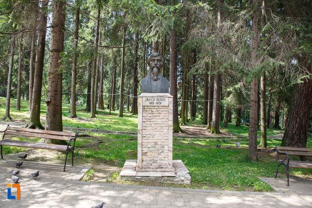 bustul-lui-alecu-russo-grupul-statuar-din-vatra-dornei-judetul-suceava.jpg