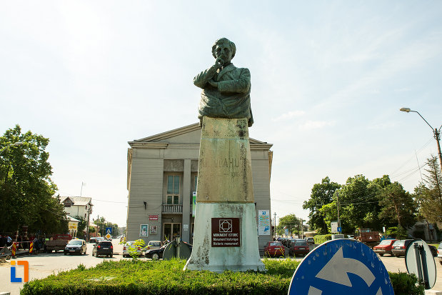 bustul-lui-alexandru-vlahuta-din-ramnicu-sarat-judetul-buzau.jpg