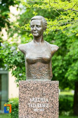 bustul-lui-arethia-tatarescu-din-targu-jiu-judetul-gorj.jpg