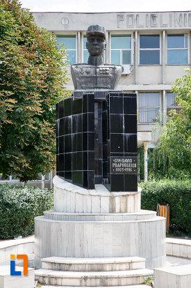 bustul-lui-david-praporgescu-din-turnu-magurele-judetul-teleorman.jpg
