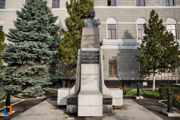 bustul-lui-gheorghe-v-avramescu-din-cluj-napoca-judetul-cluj.jpg