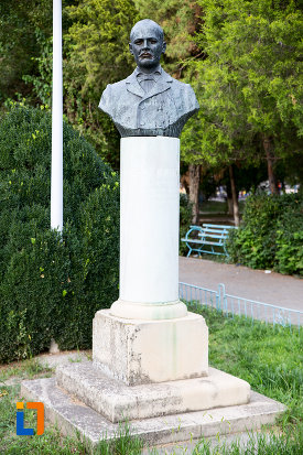 bustul-lui-ioan-cotovu-din-harsova-judetul-constanta.jpg