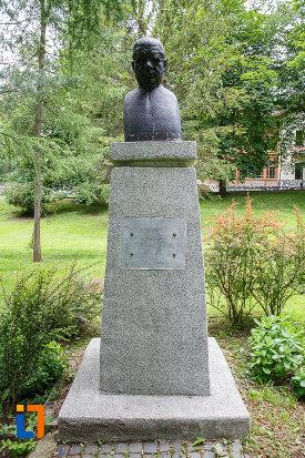 bustul-lui-ion-brezeanu-din-sinaia-judetul-prahova.jpg