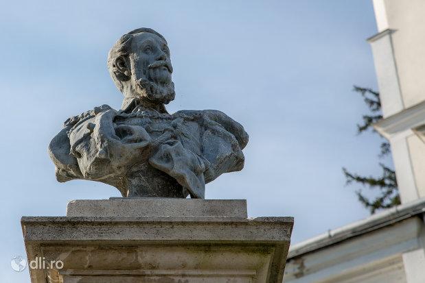 bustul-lui-kossuth-lajos-din-diosig-judetul-bihor.jpg