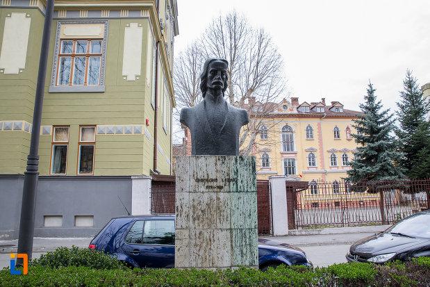 bustul-lui-lazar-de-la-grupul-statuar-din-parcul-astra-din-sibiu-judetul-sibiu.jpg