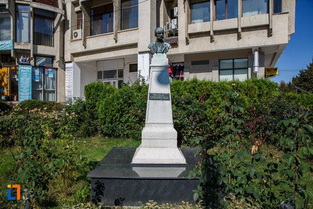 bustul-lui-nicolae-grigorescu-din-campina-judetul-prahova.jpg