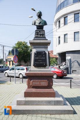 bustul-lui-radu-stanian-fost-primar-si-deputat-din-ploiesti-judetul-prahova.jpg