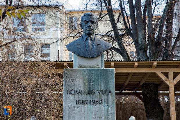 bustul-lui-romulus-vuia-din-cluj-napoca-judetul-cluj.jpg