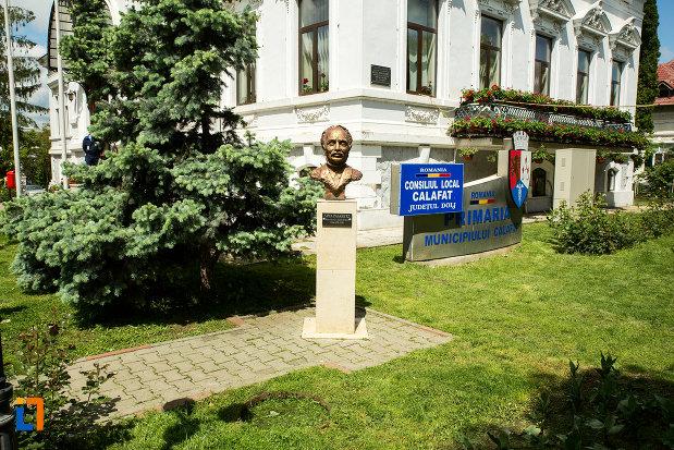 bustul-lui-sima-pasaretz-din-calafat-judetul-dolj.jpg