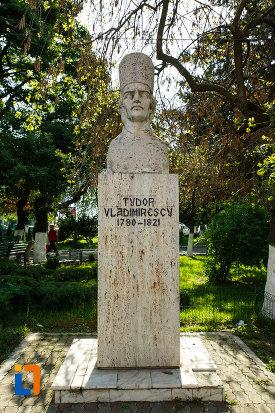 bustul-lui-tudor-vladimirescu-din-dragasani-judetul-valcea.jpg