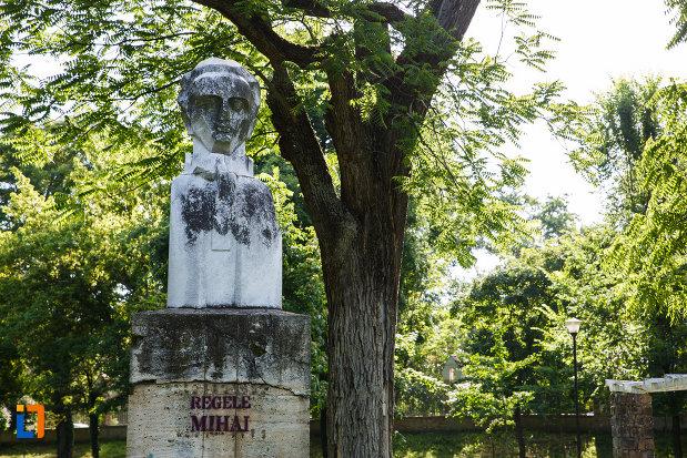 bustul-regelui-mihai-din-timisoara-judetul-timis.jpg